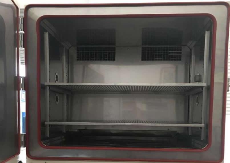 快速温变湿热试验机内箱