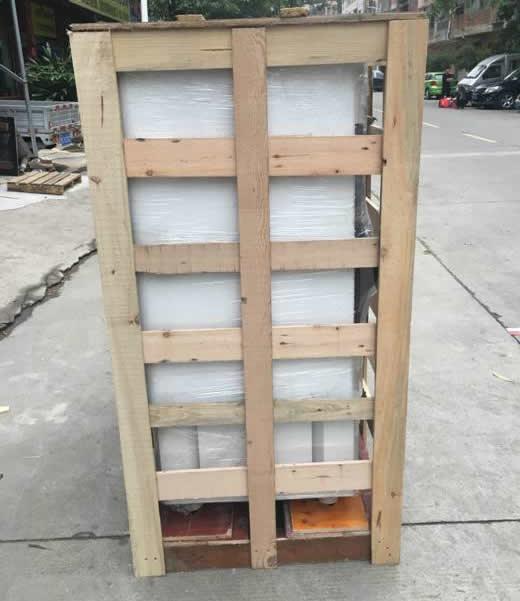 低湿型恒温恒湿箱