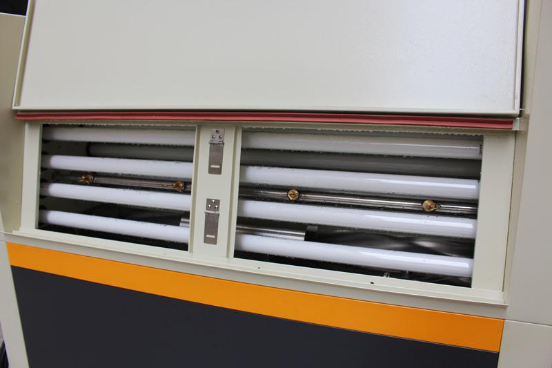 紫外线耐候老化试验箱UV照射位置