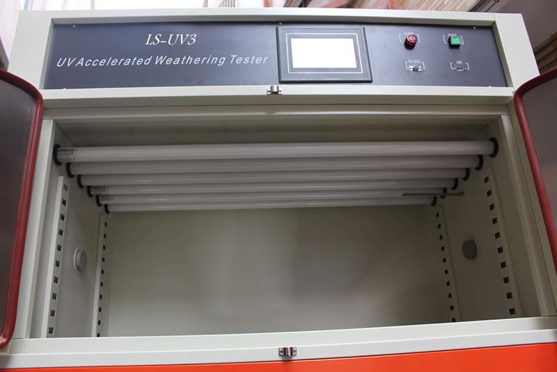 紫外光老化试验箱光源设计在顶部